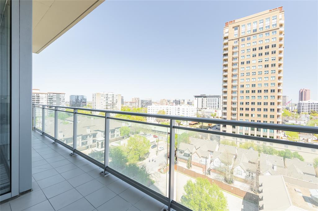 2900 Mckinnon  Street, Dallas, Texas 75201 - acquisto real estate agent of the year mike shepherd