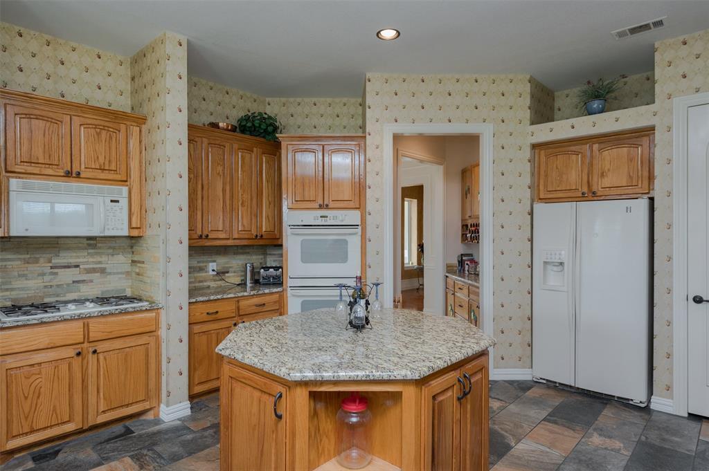 626 Scoggins  Road, Tioga, Texas 76271 - acquisto real estate best real estate company to work for