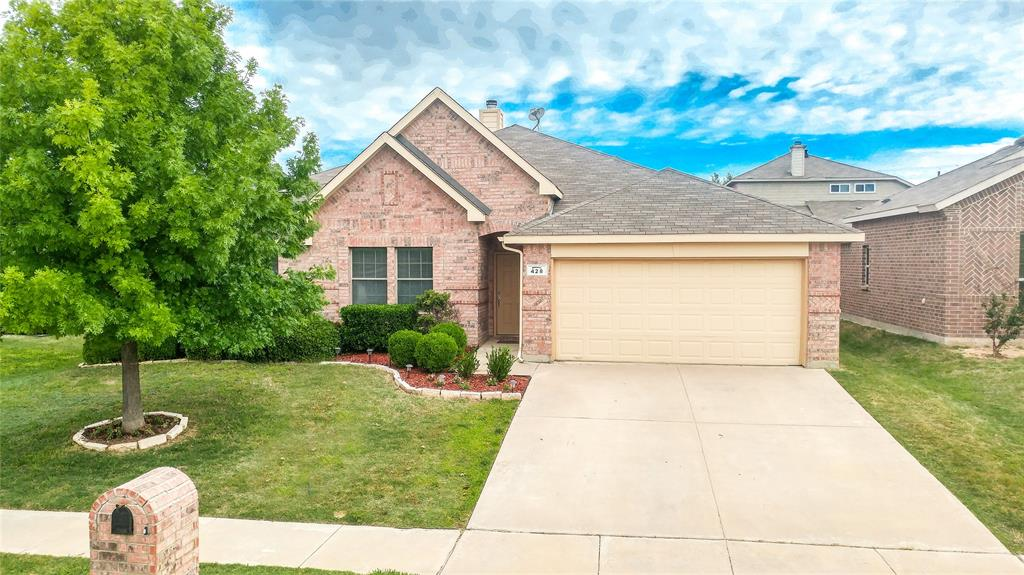 428 Crown Oaks  Drive, Fort Worth, Texas 76131 - Acquisto Real Estate best frisco realtor Amy Gasperini 1031 exchange expert