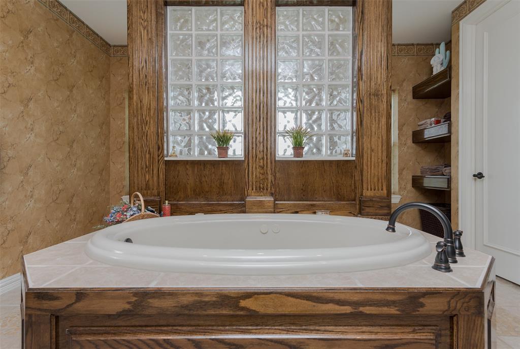 626 Scoggins  Road, Tioga, Texas 76271 - acquisto real estate best investor home specialist mike shepherd relocation expert