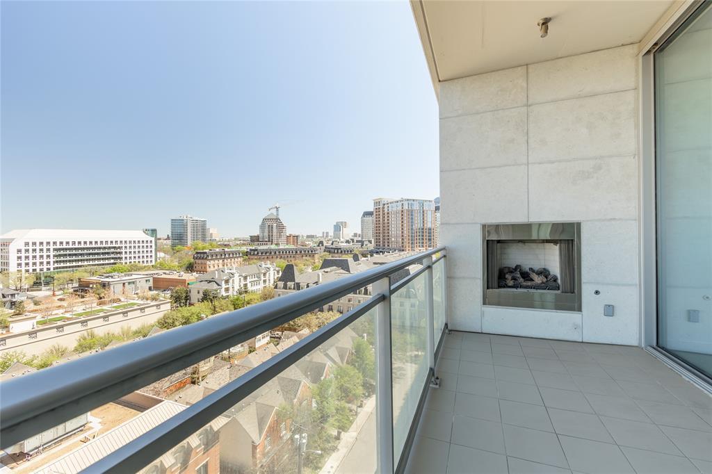 2900 Mckinnon  Street, Dallas, Texas 75201 - acquisto real estate mvp award real estate logan lawrence