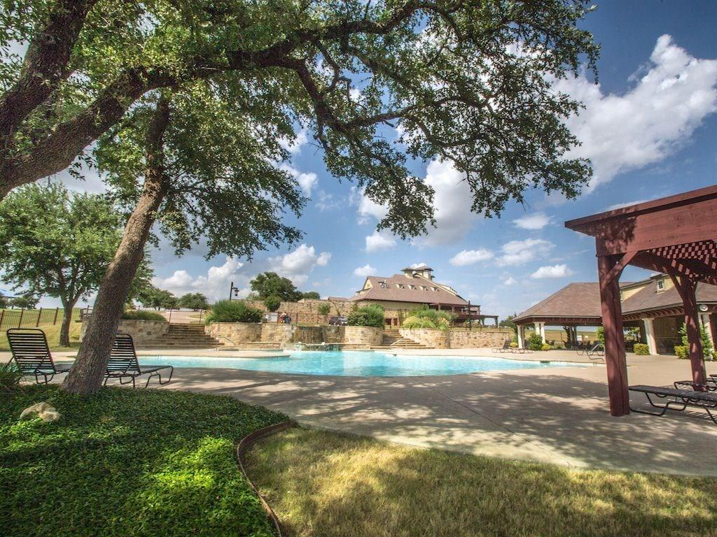 6224 Berwick  Drive, Cleburne, Texas 76033 - Acquisto Real Estate best plano realtor mike Shepherd home owners association expert