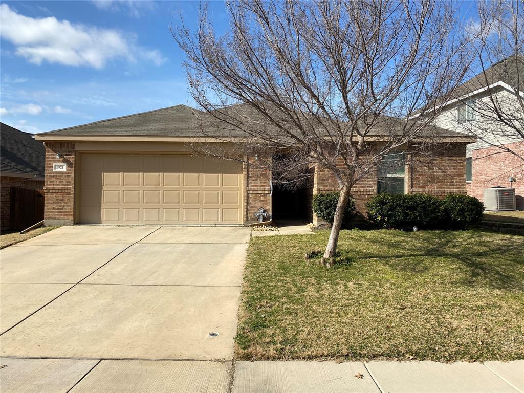 5921 Stirrup Iron  Drive, Fort Worth, Texas 76179 - Acquisto Real Estate best frisco realtor Amy Gasperini 1031 exchange expert