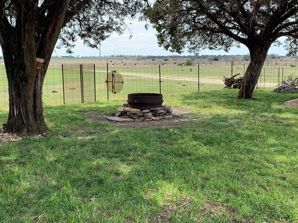 1829 County Road 402  Hamilton, Texas 76531 - acquisto real estate best realtor dallas texas linda miller agent for cultural buyers
