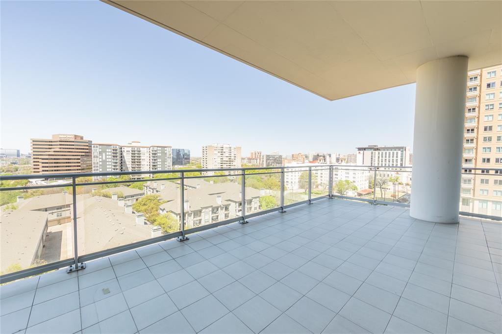 2900 Mckinnon  Street, Dallas, Texas 75201 - acquisto real estate best plano real estate agent mike shepherd