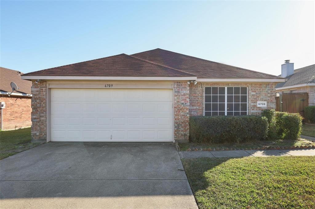 6709 Windward View  Drive, Rowlett, Texas 75088 - Acquisto Real Estate best frisco realtor Amy Gasperini 1031 exchange expert