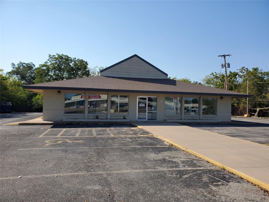 4206 Wesley  Street, Greenville, Texas 75401 - Acquisto Real Estate best frisco realtor Amy Gasperini 1031 exchange expert