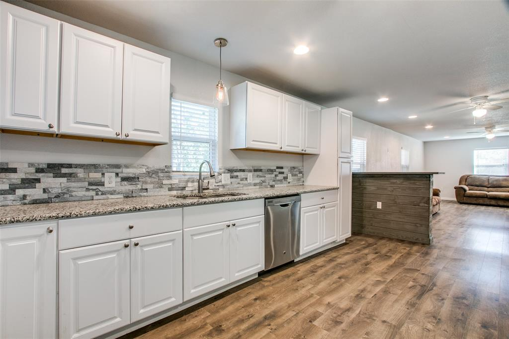 605 6th  Street, Justin, Texas 76247 - acquisto real estate best listing agent in the nation shana acquisto estate realtor