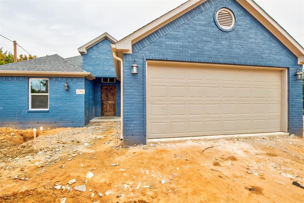 2504 Smokerise  Trail, Granbury, Texas 76048 - Acquisto Real Estate best frisco realtor Amy Gasperini 1031 exchange expert