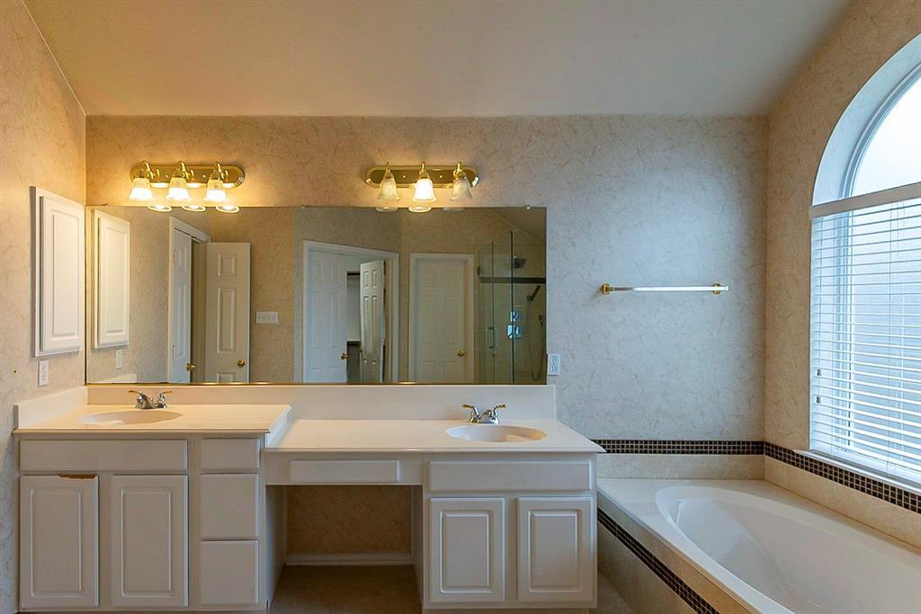 311 Misty Meadow  Drive, Allen, Texas 75013 - acquisto real estate best realtor foreclosure real estate mike shepeherd walnut grove realtor