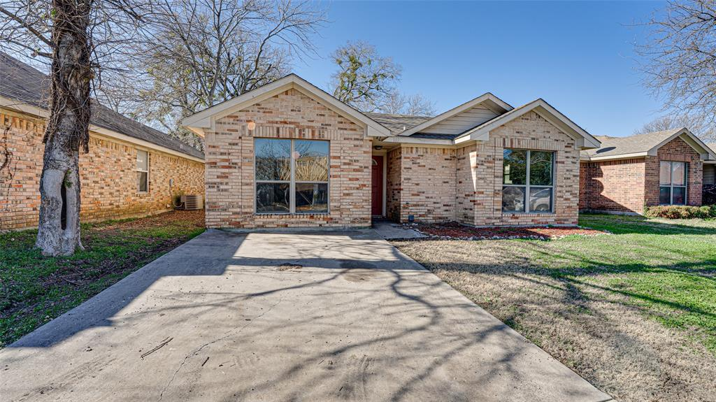 107 Pecan Hollow  Garrett, Texas 75119 - Acquisto Real Estate best frisco realtor Amy Gasperini 1031 exchange expert