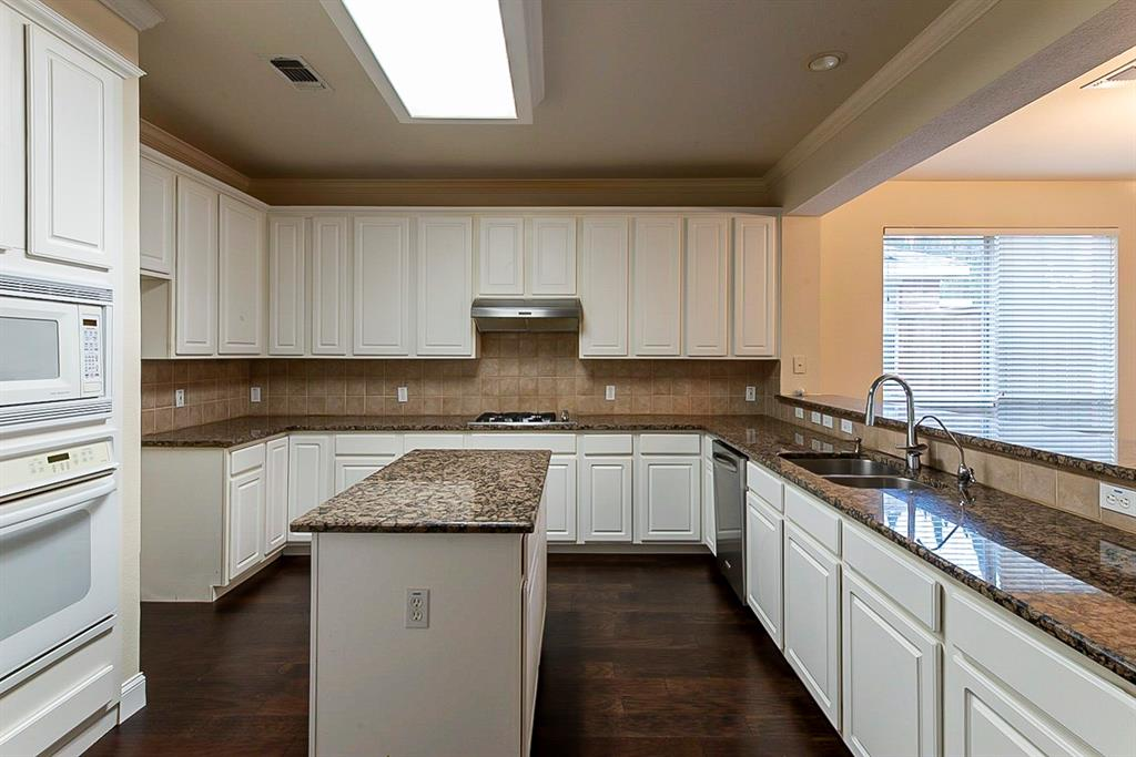 311 Misty Meadow  Drive, Allen, Texas 75013 - acquisto real estate best the colony realtor linda miller the bridges real estate