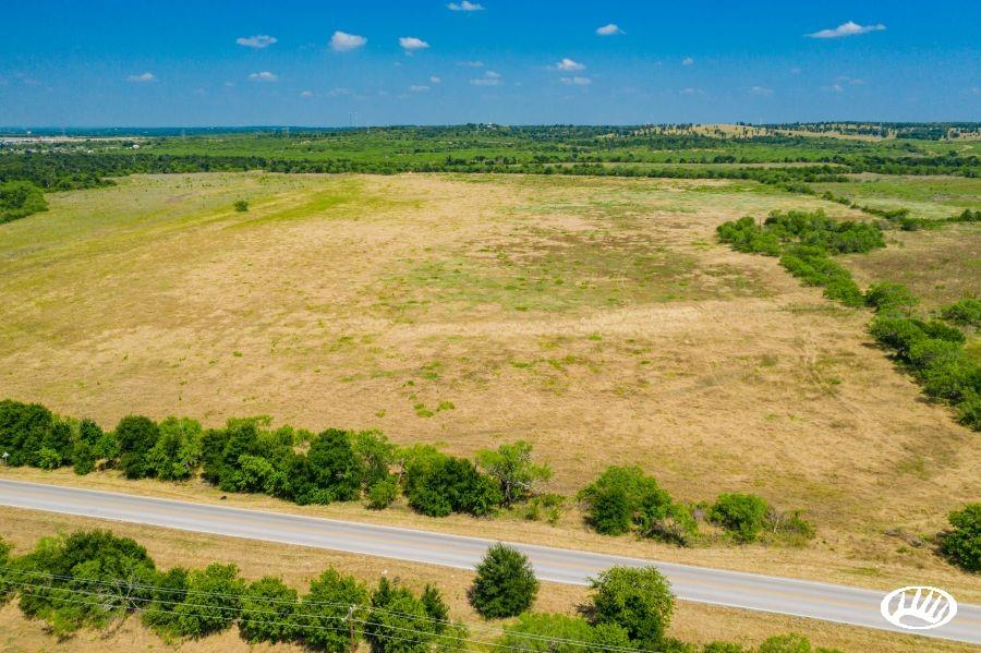 000 Wolf  Lane, Del Valle, Texas 78617 - Acquisto Real Estate best frisco realtor Amy Gasperini 1031 exchange expert