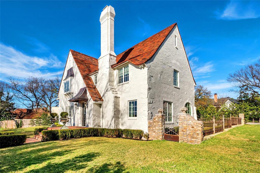 5700 Westover  Court, Westover Hills, Texas 76107 - Acquisto Real Estate best frisco realtor Amy Gasperini 1031 exchange expert