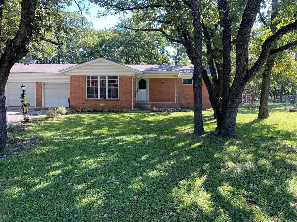 212 Jarvis  Lane, Azle, Texas 76020 - Acquisto Real Estate best frisco realtor Amy Gasperini 1031 exchange expert