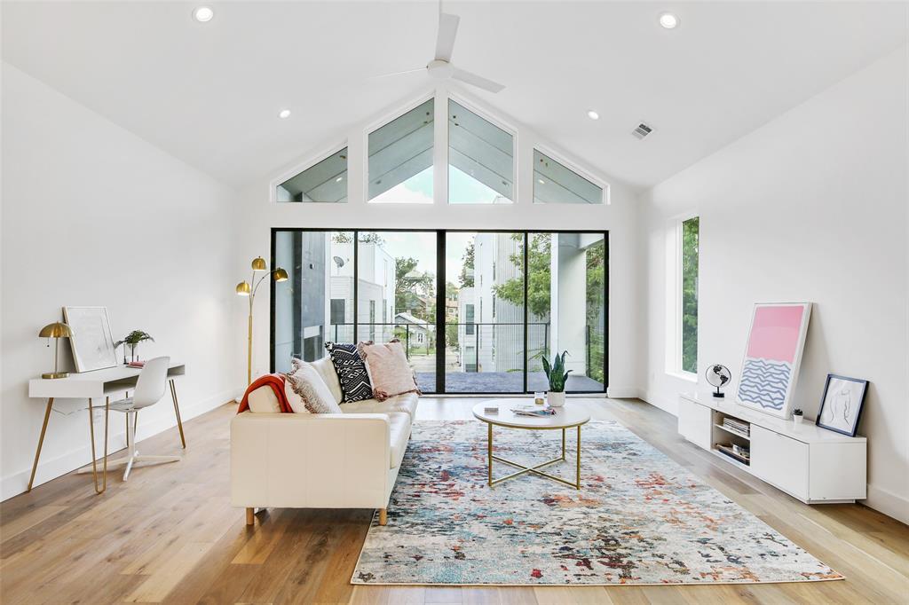 4402 Capitol  Avenue, Dallas, Texas 75204 - Acquisto Real Estate best frisco realtor Amy Gasperini 1031 exchange expert