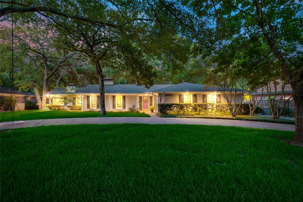 1509 Princeton  Drive, Corsicana, Texas 75110 - Acquisto Real Estate best frisco realtor Amy Gasperini 1031 exchange expert