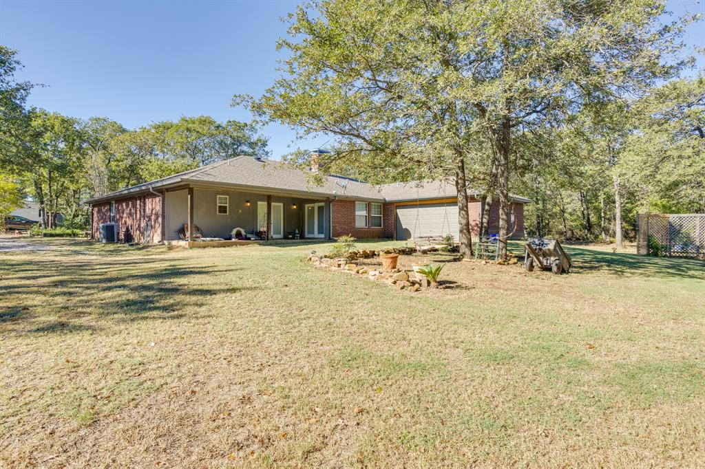 686 Spring Valley  Road, Paradise, Texas 76073 - acquisto real estate best park cities realtor kim miller best staging agent
