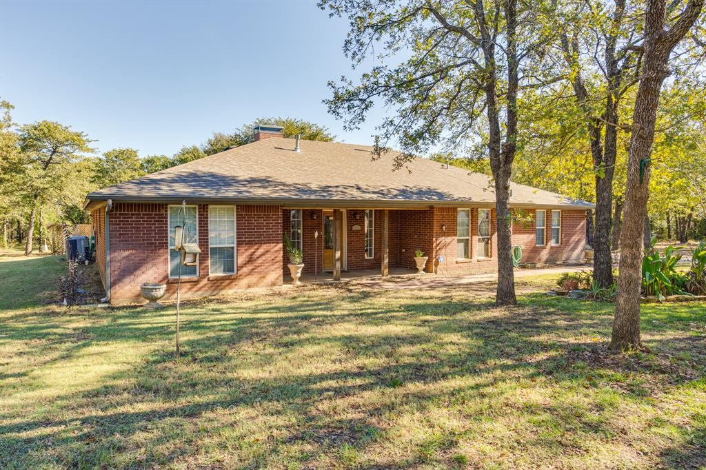 686 Spring Valley  Road, Paradise, Texas 76073 - acquisto real estate best allen realtor kim miller hunters creek expert