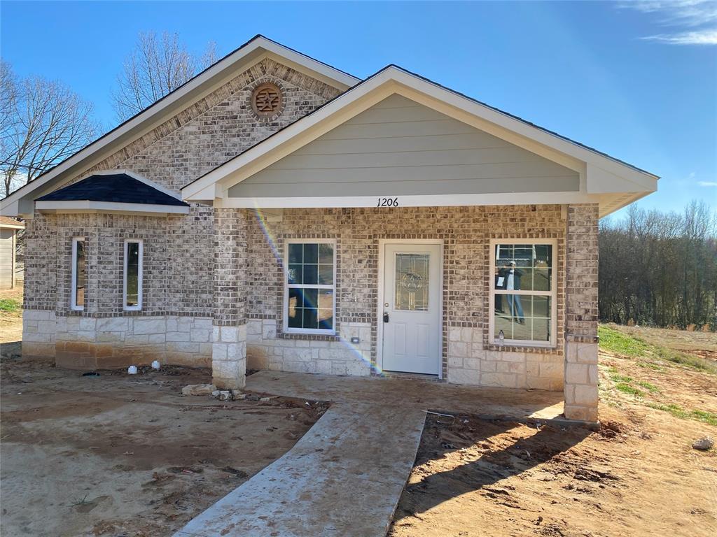 1206 1  Street, Mount Pleasant, Texas 75455 - Acquisto Real Estate best frisco realtor Amy Gasperini 1031 exchange expert
