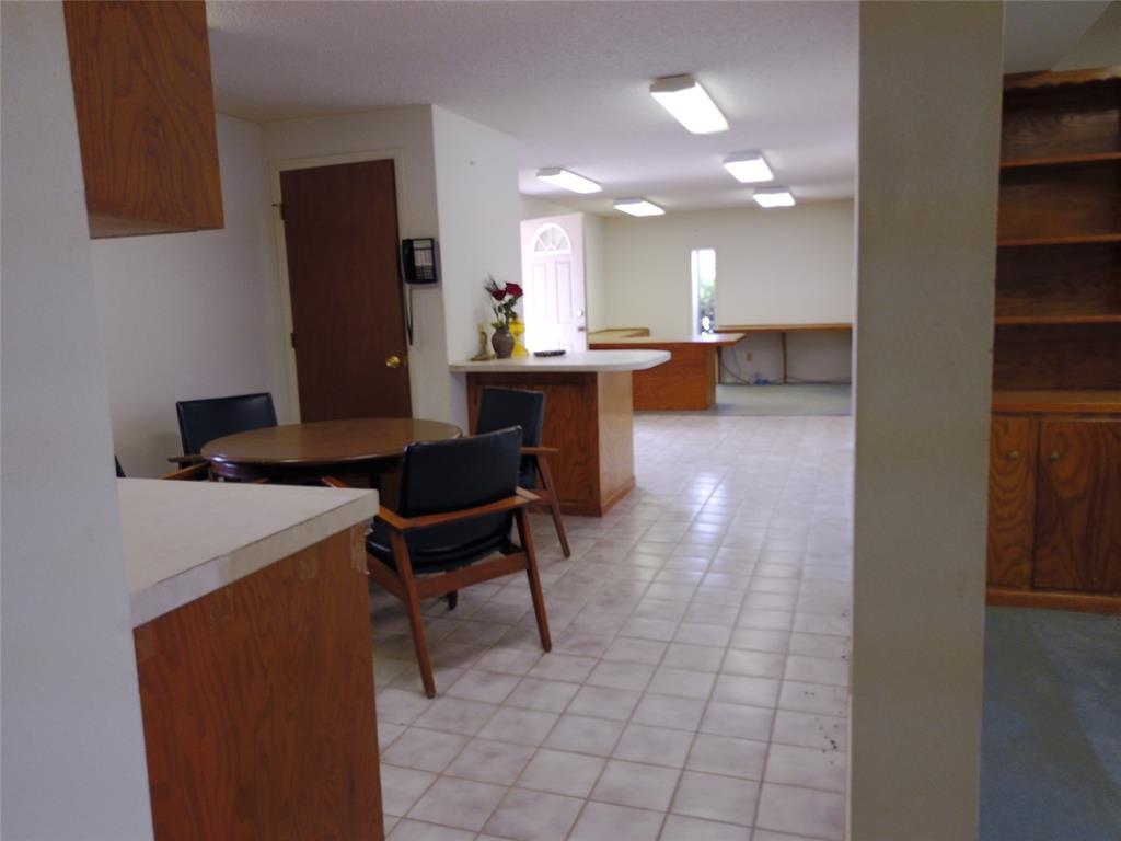 711 Walker  Street, Breckenridge, Texas 76424 - acquisto real estate best realtor foreclosure real estate mike shepeherd walnut grove realtor