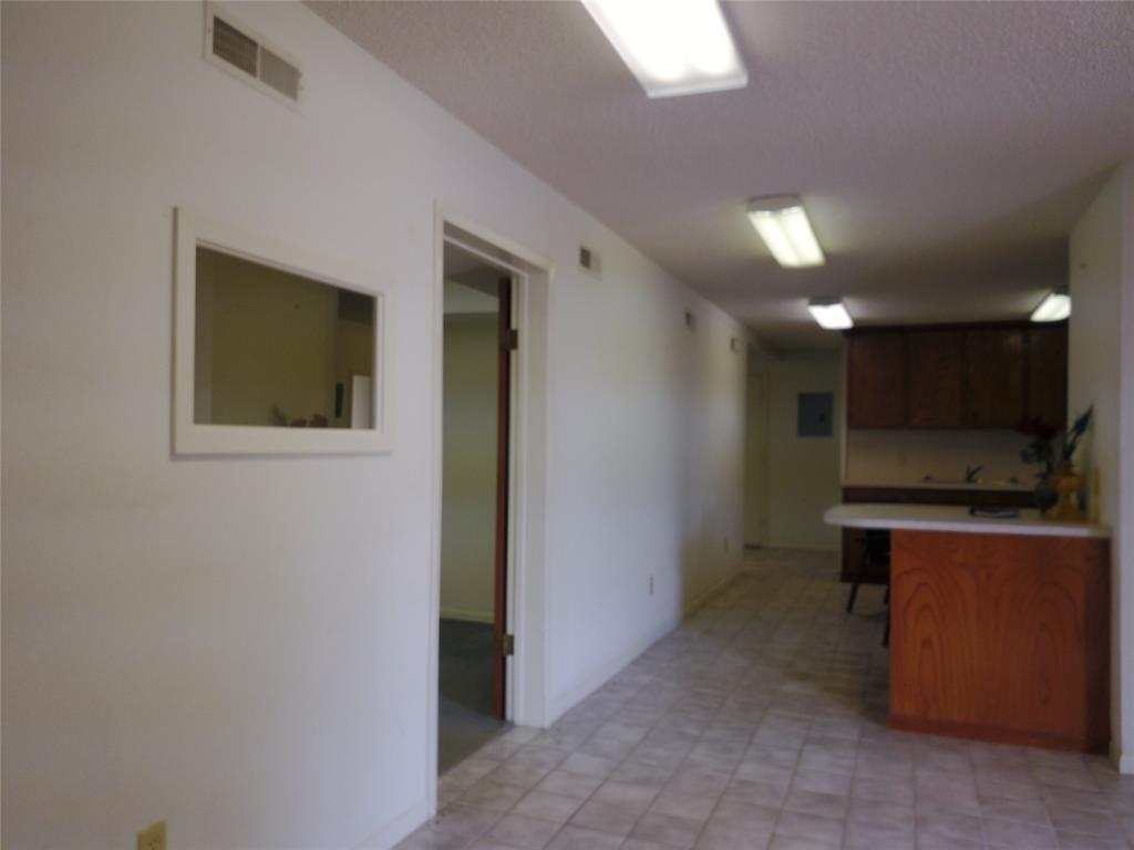 711 Walker  Street, Breckenridge, Texas 76424 - acquisto real estate best frisco real estate broker in texas for high net worth buyers