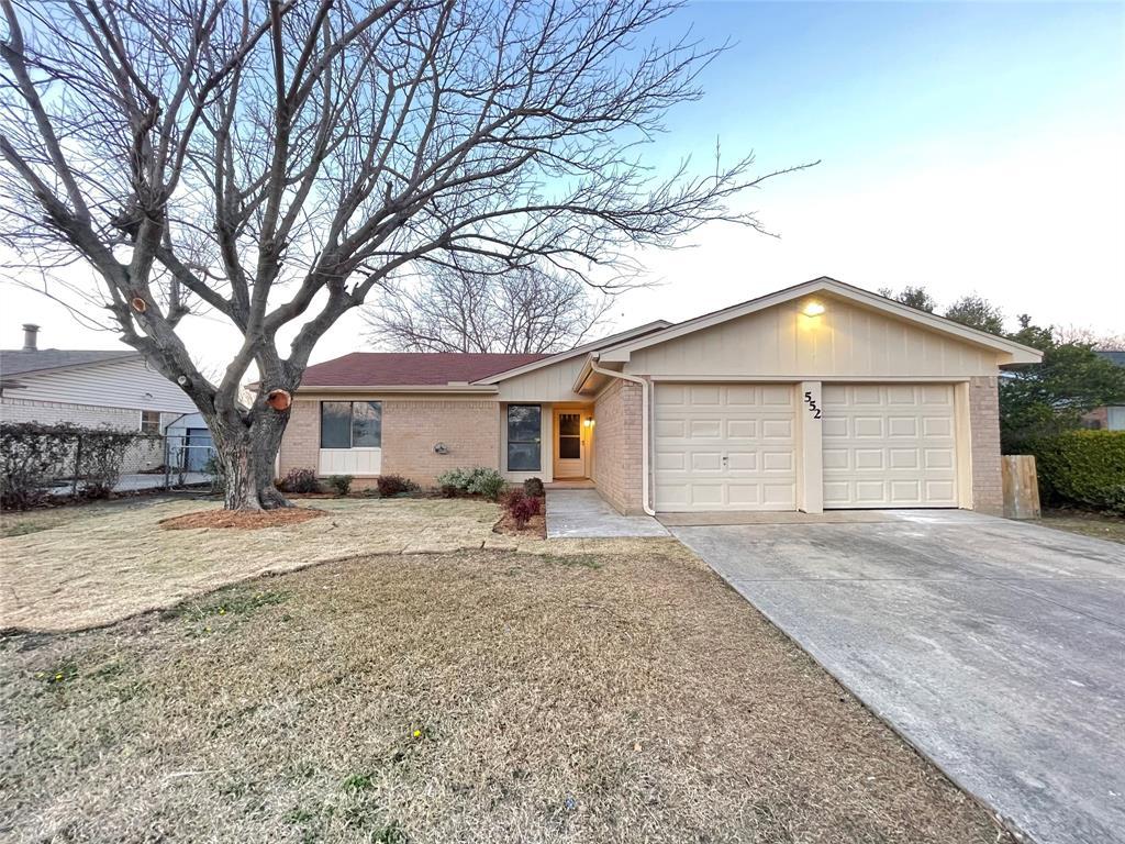 552 Fox  Drive, Saginaw, Texas 76179 - Acquisto Real Estate best frisco realtor Amy Gasperini 1031 exchange expert
