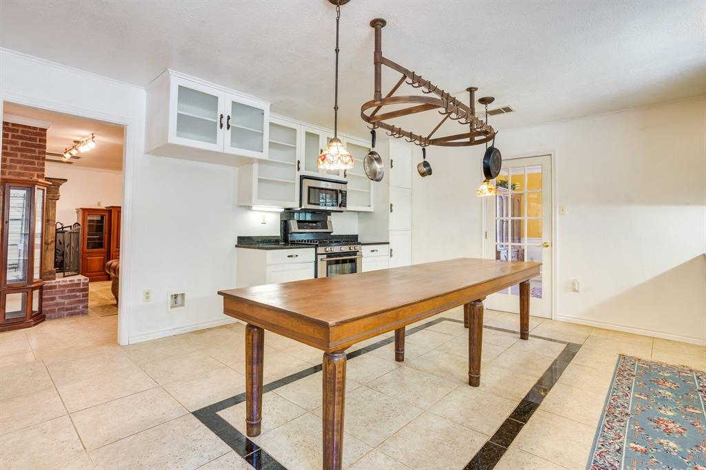 686 Spring Valley  Road, Paradise, Texas 76073 - acquisto real estate best real estate company to work for