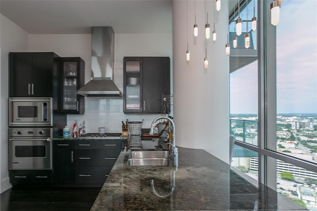 1301 Throckmorton  Street, Fort Worth, Texas 76102 - acquisto real estate best celina realtor logan lawrence best dressed realtor