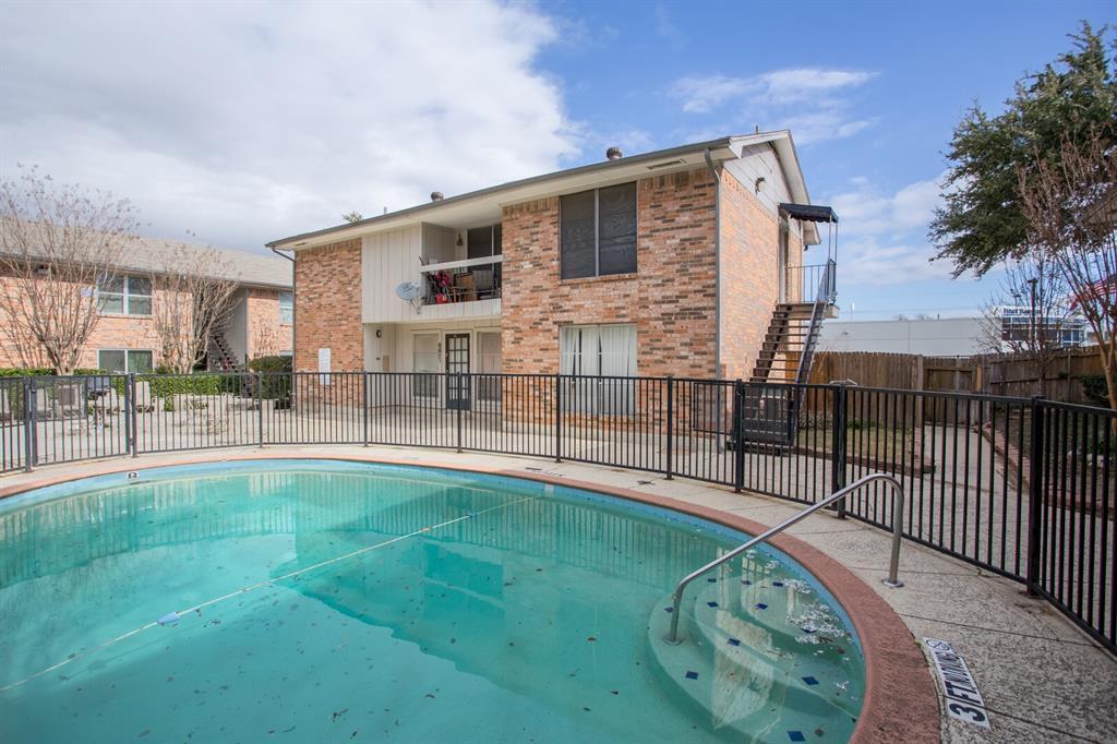 8055 Meadow  Road, Dallas, Texas 75231 - acquisto real estate best realtor dfw jody daley liberty high school realtor