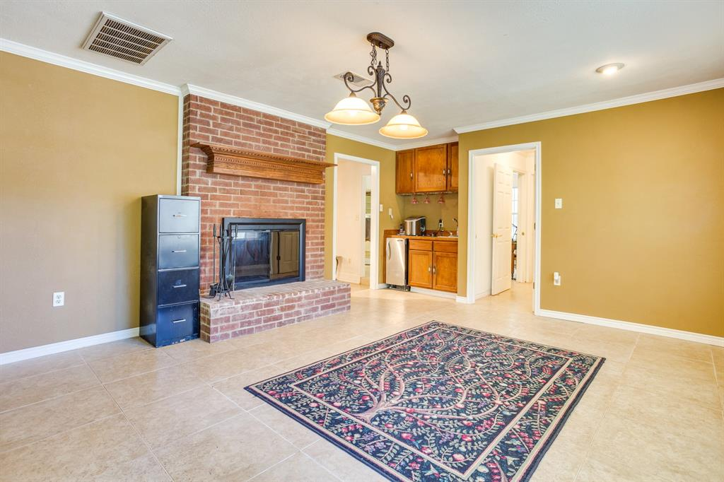 686 Spring Valley  Road, Paradise, Texas 76073 - acquisto real estate best new home sales realtor linda miller executor real estate