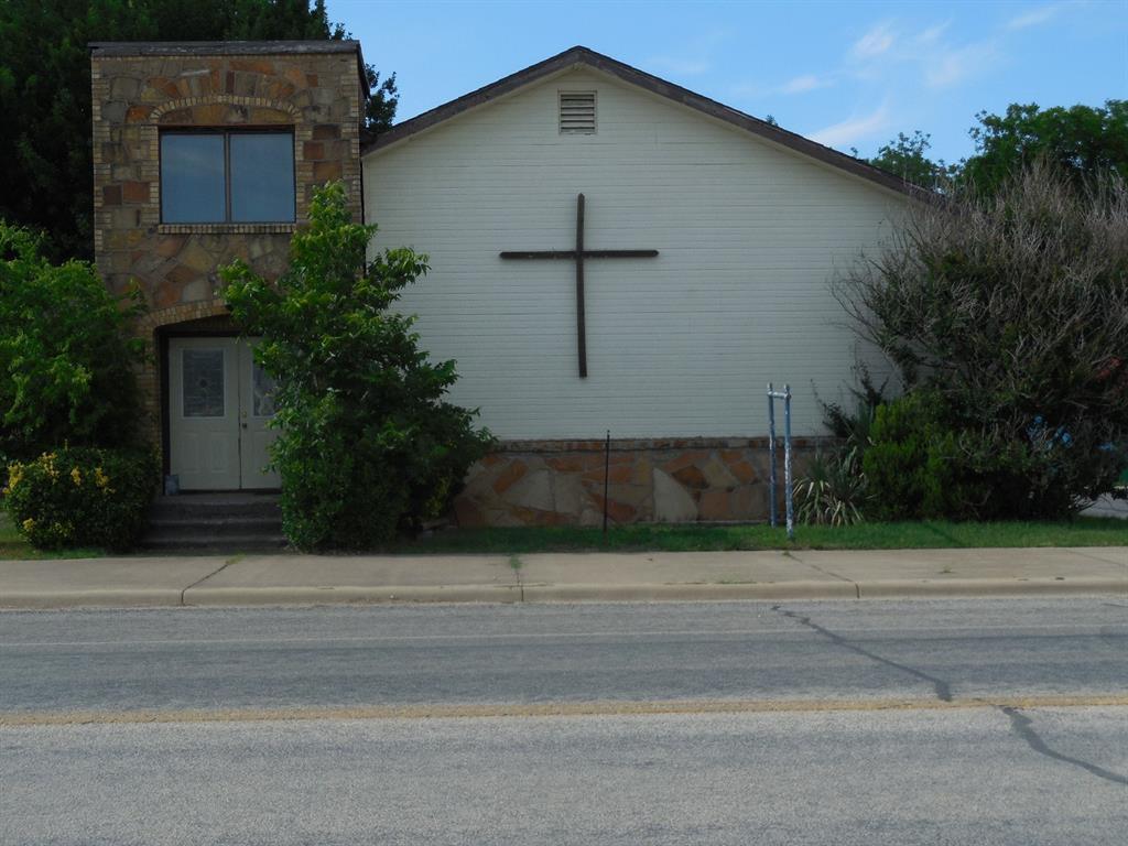 105 Connellee  Avenue, Eastland, Texas 76448 - Acquisto Real Estate best frisco realtor Amy Gasperini 1031 exchange expert
