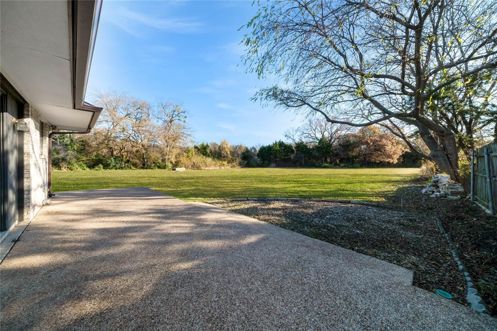 324 Shady Brook  Lane, Cedar Hill, Texas 75104 - acquisto real estate best realtor dfw jody daley liberty high school realtor