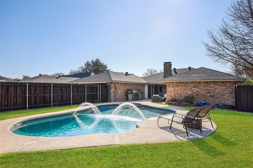 3213 Kingsbridge  Drive, Plano, Texas 75075 - Acquisto Real Estate best frisco realtor Amy Gasperini 1031 exchange expert