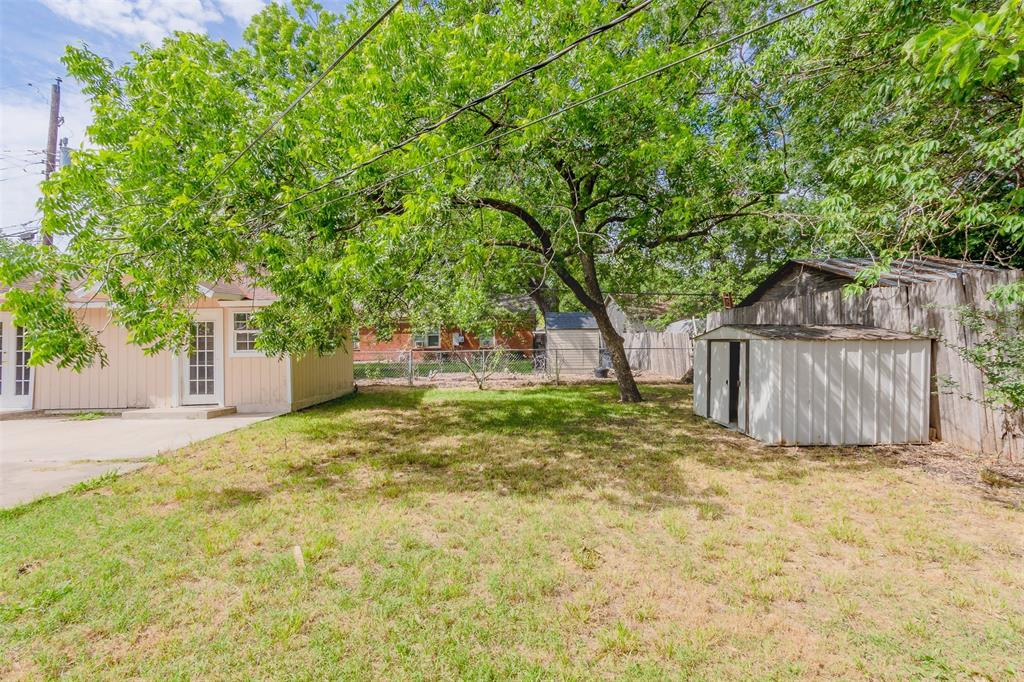 5209 Mallory  Drive, Haltom City, Texas 76117 - acquisto real estate best realtor foreclosure real estate mike shepeherd walnut grove realtor