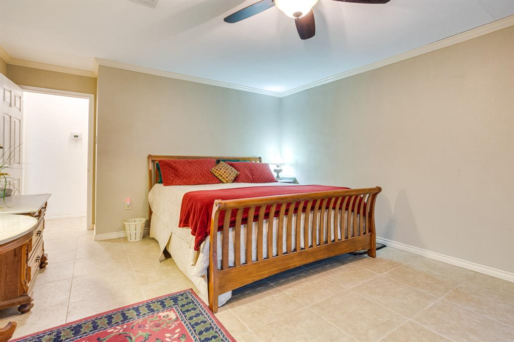 686 Spring Valley  Road, Paradise, Texas 76073 - acquisto real estate best realtor foreclosure real estate mike shepeherd walnut grove realtor
