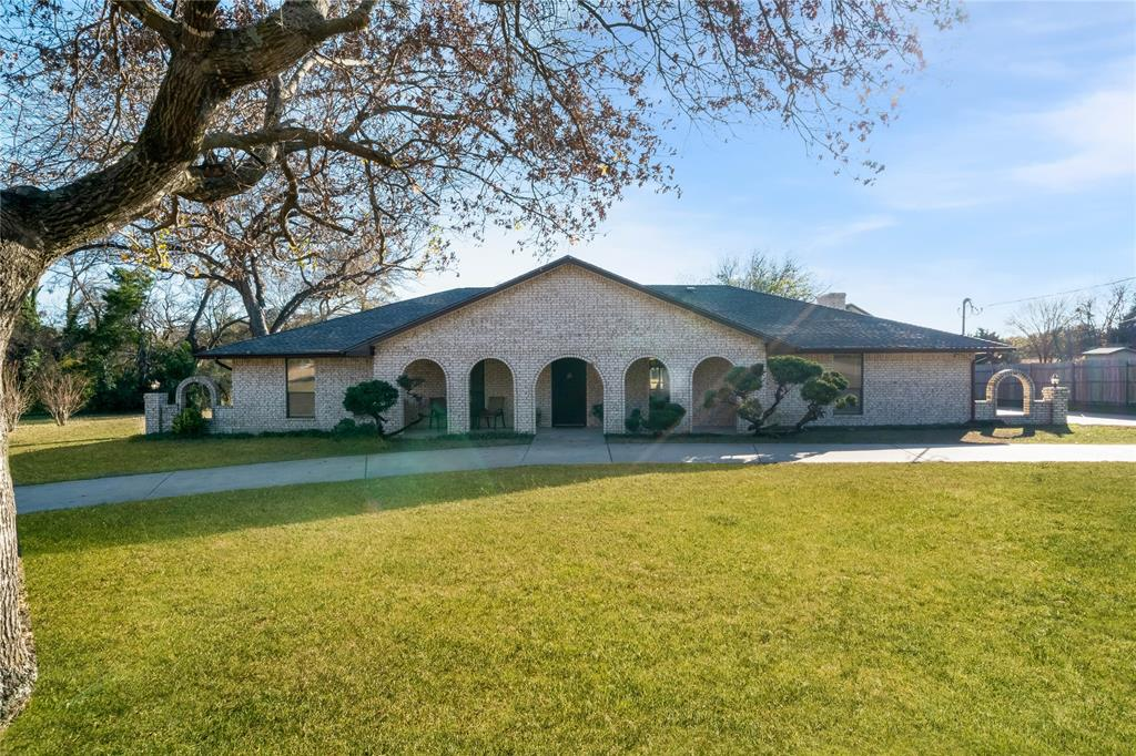 324 Shady Brook  Lane, Cedar Hill, Texas 75104 - Acquisto Real Estate best plano realtor mike Shepherd home owners association expert