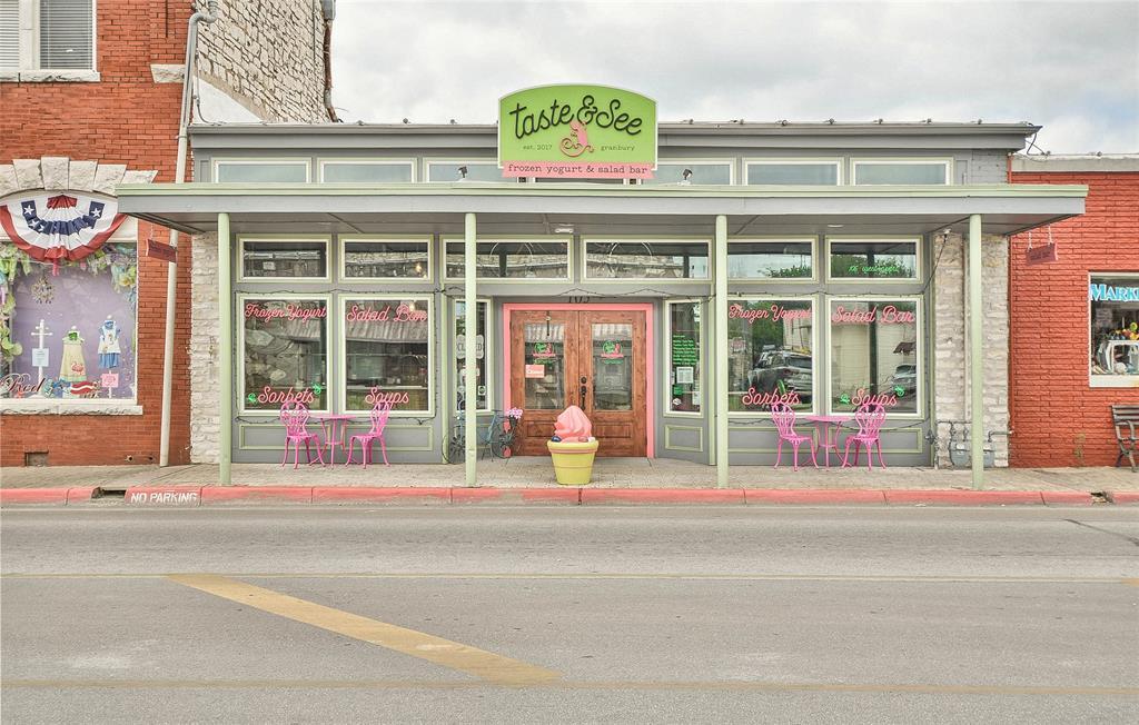 105 Pearl  Street, Granbury, Texas 76048 - Acquisto Real Estate best frisco realtor Amy Gasperini 1031 exchange expert