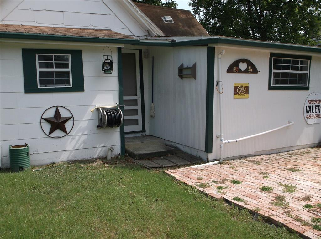 107 11th  Street, Kemp, Texas 75143 - acquisto real estate best real estate company in frisco texas real estate showings