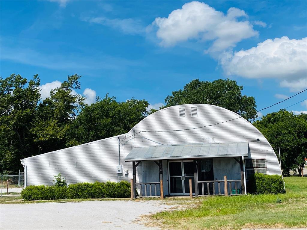 1529 Dixon  Street, Gainesville, Texas 76240 - Acquisto Real Estate best frisco realtor Amy Gasperini 1031 exchange expert