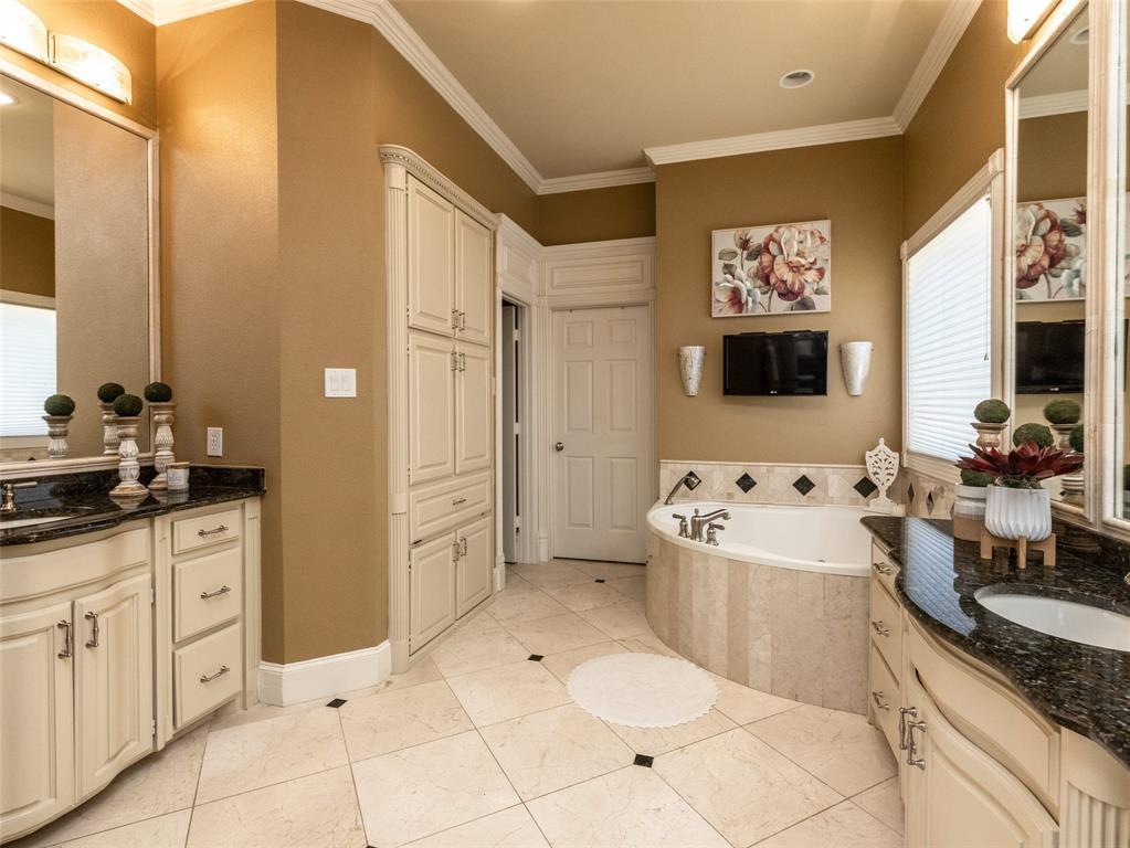 3109 Shadow  Drive, Arlington, Texas 76006 - acquisto real estate best realtor dallas texas linda miller agent for cultural buyers