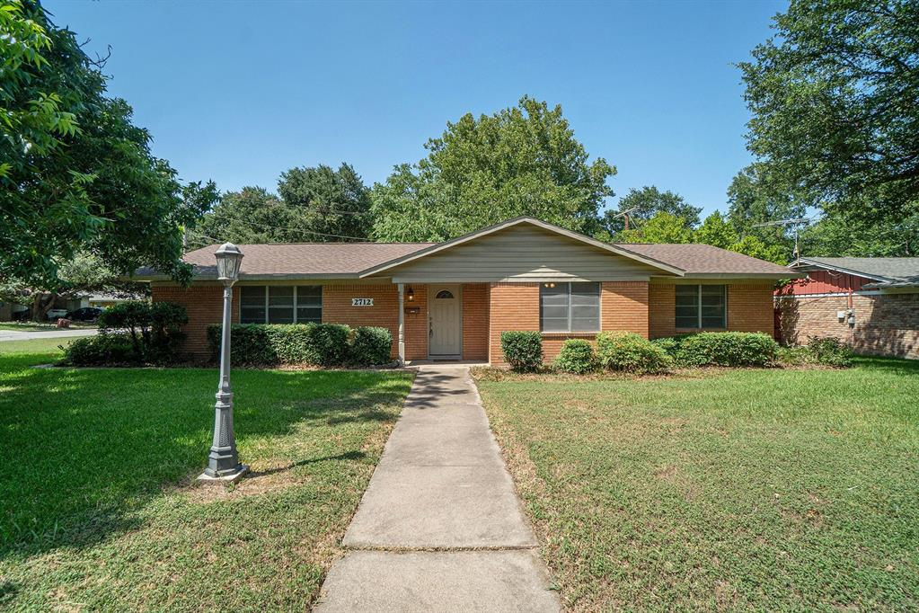 2712 Westfield  Avenue, Fort Worth, Texas 76133 - Acquisto Real Estate best frisco realtor Amy Gasperini 1031 exchange expert