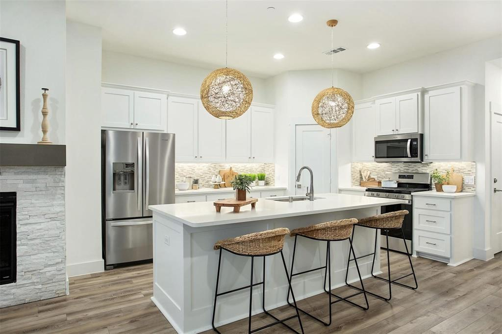 7222 Merlot  Place, Grand Prairie, Texas 75054 - Acquisto Real Estate best frisco realtor Amy Gasperini 1031 exchange expert