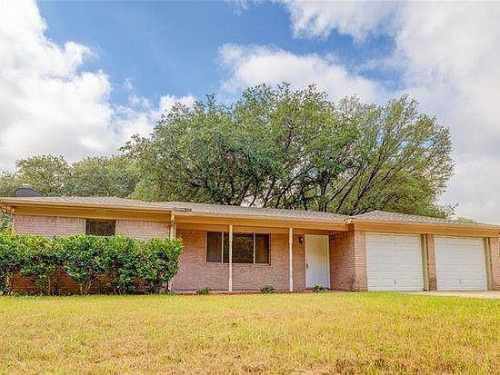 609 Roewe  Street, Pilot Point, Texas 76258 - Acquisto Real Estate best frisco realtor Amy Gasperini 1031 exchange expert