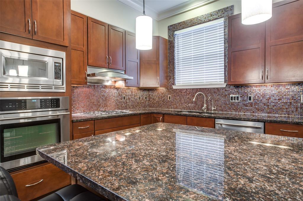 3200 Ross  Avenue, Dallas, Texas 75204 - acquisto real estate best real estate company in frisco texas real estate showings