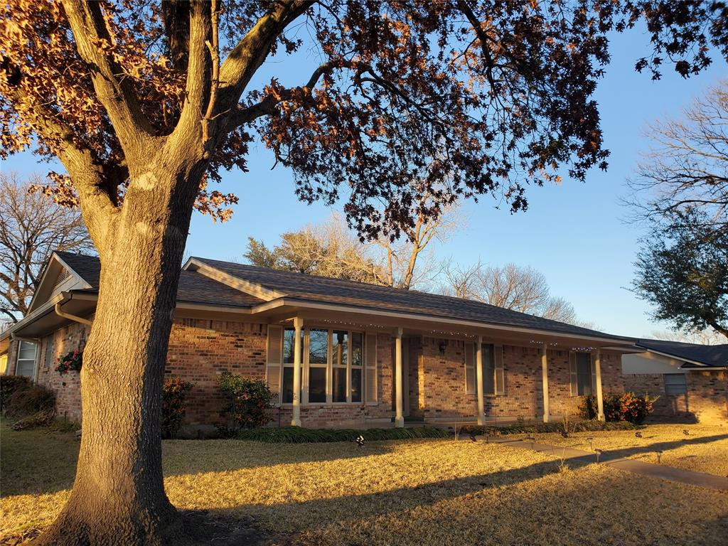 2021 Greenbriar  Drive, Gainesville, Texas 76240 - Acquisto Real Estate best frisco realtor Amy Gasperini 1031 exchange expert
