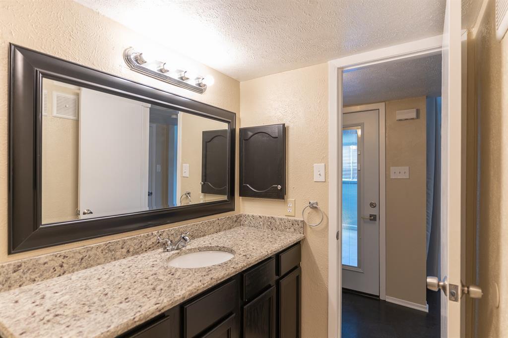 4612 Country Creek  Drive, Dallas, Texas 75236 - acquisto real estate best looking realtor in america shana acquisto