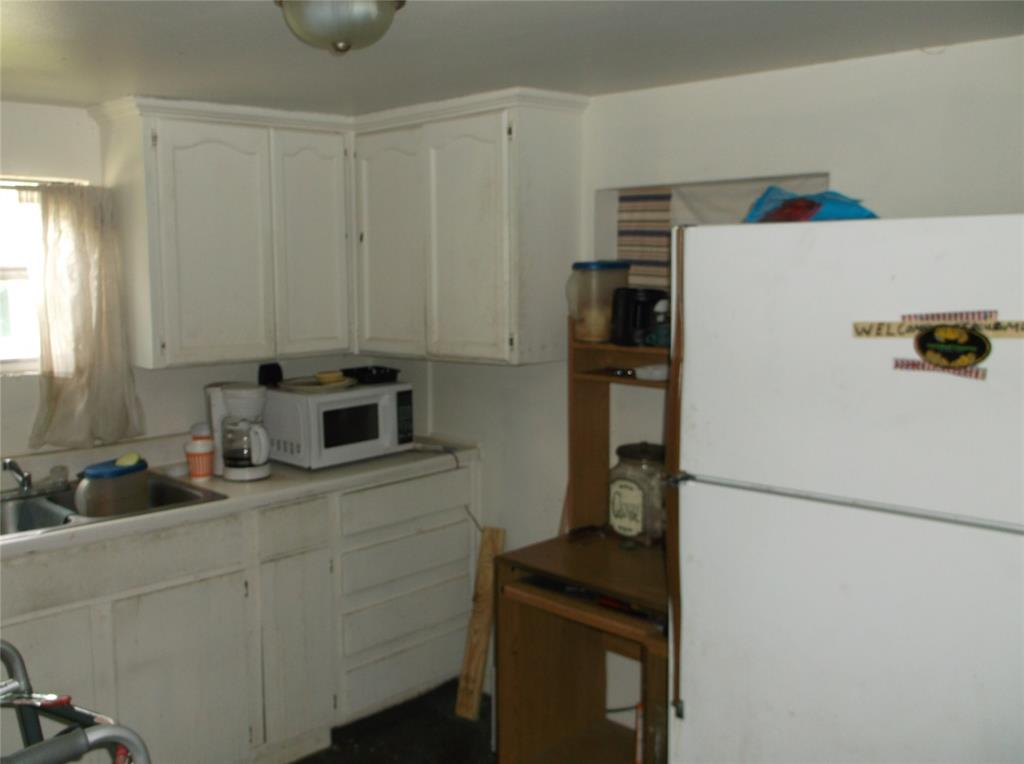 107 11th  Street, Kemp, Texas 75143 - acquisto real estate best designer and realtor hannah ewing kind realtor