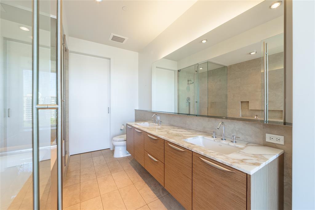 2900 Mckinnon  Street, Dallas, Texas 75201 - acquisto real estate best park cities realtor kim miller best staging agent