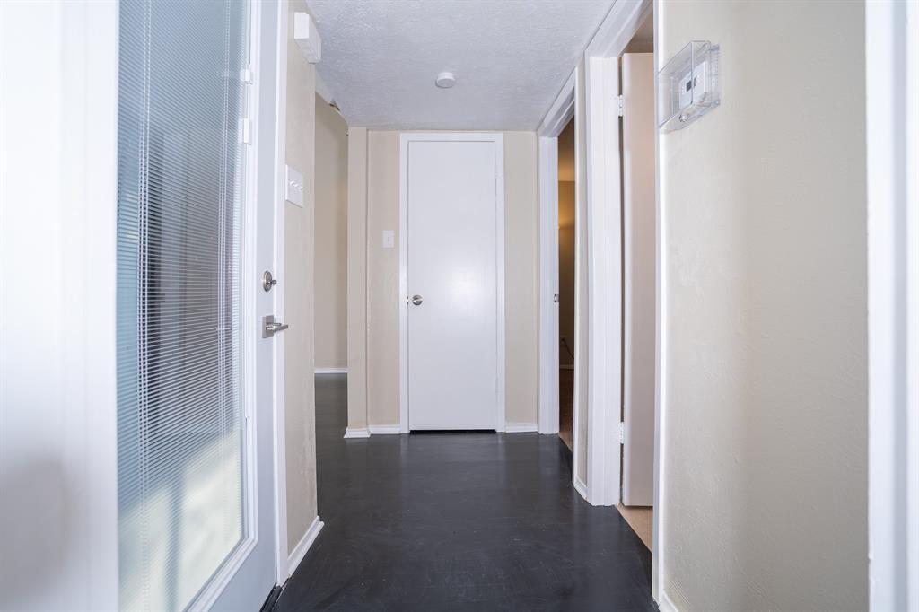 4612 Country Creek  Drive, Dallas, Texas 75236 - acquisto real estate best designer and realtor hannah ewing kind realtor